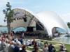 Blick auf die Seebühne während des Auftritts der Blaskapelle Höhenkirchen-Siegertsbrunn