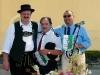 Hans Kremser bei der Geschenkübergabe für die Freunde aus Irun und Montemarciano